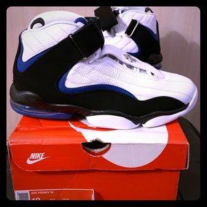sports shoes ec712 1230d Nike. Nike Air Penny IV Orlando Men s 10